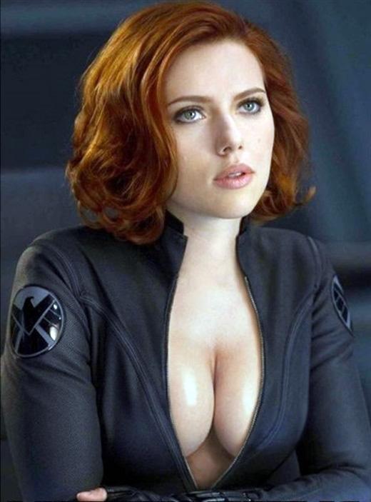 scarlett_johansson_avengers_ultron_cleavage1