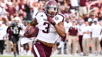 STARKVILLE, MS - NOVEMBER 05: Texas A&M Aggies wide receiver Christian Kirk (3) runs with the football after a reception during the football game between Mississippi St. and Texas A&M on November 5, 2016 at Davis Wade Stadium in Starkville, MS. Mississippi St. would defeat Texas A&M 35-28. (Photo by Andy Altenburger/Icon Sportswire)